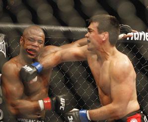 machida-evans-UFC-98